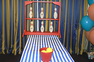 Knock down carnival game